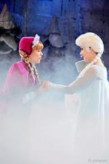 I love you Elsa (thatdisneyprincess) Tags: anna frozen disney eurodisney elsa disneylandparis dlp dlrp disneylandpark disneylandparijs parcdisneyland disneyparks facecharacter frozensingalong