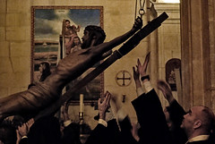 A nuestras manos (M. Martn Gmez) Tags: espaa easter spain nikon catholic religion procession tradition ostern spanien semanasanta elche tradicin holyweek  prozession comunidadvalenciana