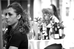 solidita' di pensiero (eliobuscemi) Tags: street girl monochrome e bianco nero ragazza profilo