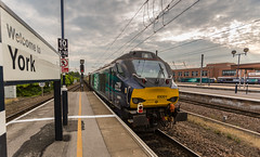DRS Class 68 no 68001 at the rear of the Alnmouth to London Kings Cross Pullman at York on 23-07-2016 (kevaruka) Tags: class68 68017 68001 drs directrailservices york yorkshire britishrail networkrail station railway railtour pullman flickr frontpage thephotographyblog telephototrains canon canoneos5dmk3 canon5dmk3 canonef1635f28mk2 uwa ultrawideangle wideangle 5d3 5diii 5d 5dmk3 trains train transport trainstation england blue yellow summer 2016 july