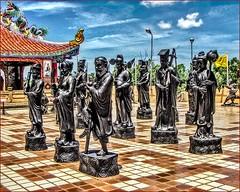 A bit of China (Bruno Zaffoni) Tags: pattaya thailand thailandia viharnsien hdr statue art arte colorful