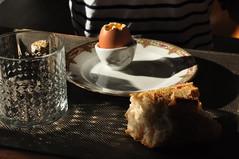 Breakfast | Egg (Bktero) Tags: breakfast egg morning bread glass table sunrise indoor wood djeuner oeuf verre pain matin