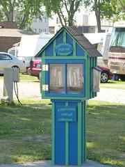 Pop Up Library (Thomas Kelly 48) Tags: panasonic lumix fz150 canada ontario cobourg library popuplibrary books