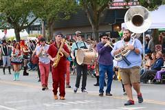 Fremont Solstice 2016  2388 (khaufle) Tags: solstice fremont wa usa marchingband sousaphone drum saxaphone parade