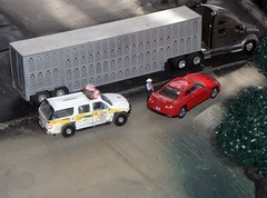 Sheriff's Log  7/24/2016 (THE RANGE PRODUCTIONS) Tags: trucksandstuff truck toy tractortrailer greenlight model matchbox dioramas diecast diecastdioramas hoscalefigures 164scale 18wheeler 187 cattle livestock semi