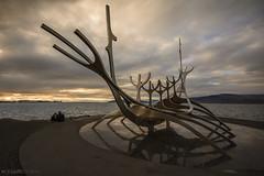 Solfar Sun craft (Viajero del Sol) Reykjavik (Mauro Esains) Tags: reykjavik escultura barco vikingo monumento viajero del sol islandia paisaje mar cielo atardecer de medianoche