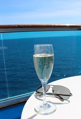 Cheeky champers (PositiveLad) Tags: tom hayes emerald princess cruise cruiseship ship cruises cruising ukpositivelad positivelad cocktails sunset shiplife crown grill caribe c522 southampton uk guernsey food drink