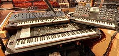Paul Shaffer synth / keyboard rig - The CBS Orchestra (rds323) Tags: television tv manhattan lateshow davidletterman lateshowwithdavidletterman kurzweil oberheim edsullivantheater tvstudio thelateshow