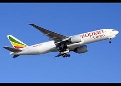 Boeing | 777-F60 | Ethiopian Airlines Cargo | ET-ARH | Hong Kong | HKG | VHHH (Christian Junker | Photography) Tags: nikon nikkor d800 d800e dslr 70200mm plane aircraft boeing b777f60 b777200lrf b772lrf b777f b77f ethiopianairlinescargo et eth ethiopian et3719 eth3719 ethiopian3719 etarh staralliance heavy widebody triple7 cargo freighter departure takeoff 25l gearup airline airport aviation planespotting 42031 1242 420311242 hongkonginternationalairport cheklapkok vhhh hkg clk hkia hongkong sar china asia haeco therocks lantau christianjunker flickrtravelaward flickraward zensational hongkongphotos worldtrekker superflickers