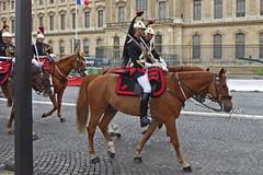 2016.06.03.099 PARIS - La Garde Rpublcaine, gardes (alainmichot93 (Bonjour  tous)) Tags: 2016 france ledefrance seine paris garderpublicaine cavalerie cavalier uniforme cheval streetlife