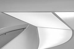 Shades of ... (Karl-Heinz Bitter) Tags: blackandwhite white abstract berlin monochrome lines juni architecture blackwhite fineart curves gray center architektur handrail monochrom minimalism abstrakt sience minimalistisch minimalismus ottobock khbitter karlheinzbitter