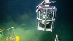 ROV picks up the Titan accelerometer to place it into the caisson (Ocean Networks Canada) Tags: warning earthquake sensor accelerometer barkleycanyon eews titanaccelerometer earthquakeearlywarning