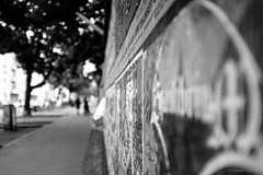 out of focus (Lomonautin83) Tags: berlin deutschland germany outoffocus bokeh streetphotography streetfotografie street streetshot fuji fujix100t fujixseries fujifilm travel travelphotography travelgermany traveller blackwhite bw blackandwhite bnw focus