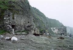 Hallsands, Devon (Ron's travel site) Tags: flickrandroidapp:filter=none hallsands devon england uk gb circa1984 filmcamera olympusom10 om10 35mm ronstravelsite wwwronsspotuk outdoors coast lostvillage ruins