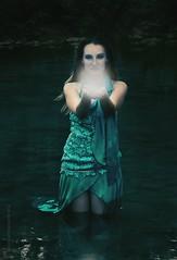 Light in the dark (Eleonora Cacciari) Tags: eleonoracacciari eleonoracacciarisshot ©eleonoracacciari light lightinthedark reflex canon canoneos1200d canonefs18135mmf3556isstm dark scuro luce lights verde green ilovegreen