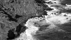 Fuerza. (juliosabinagolf.) Tags: bw mar agua viento bn panasonic roca acantilado mediterráneo monocromático calblanque dmcfz8