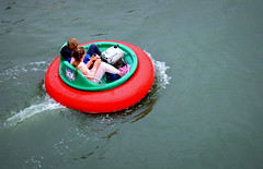 Kids in a ring (Tony Worrall Foto) Tags: county uk england wet water kids speed children fun pond stream tour open place country north slide visit location ring round area splash float northern update southport attraction merseyside welovethenorth 2015tonyworrall