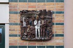 (Kunst am Bau / DDR) Tags: mecklenburgvorpommern ddrkunst ddrrelikt ddr ostdeutschland ostmoderne ostalgie kunstambau kunst kunstinderddr kunstimraum martinmaleschka