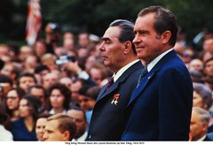 U1774294 (ngao5) Tags: portrait people usa house male men history washingtondc european adult many president whitehouse profile group elderly american soviet northamerica prominentpersons government leader mansion sideview russian premier groupofpeople halflength richardnixon dwelling midatlantic northamerican elderlyman senioradult seniorman middleaged middleagedman headofstate leonidbrezhnev officialresidence governmentofficial politicalleader presidentspark largegroupofpeople caucasianethnicity easterneuropeandescent easterneuropeanculture