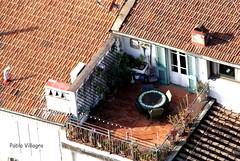 La mesa siempre lista (pablovillagra2004) Tags: techos tejados terrazas italia florencia mesa silla