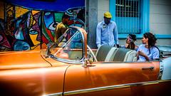 El Dorado a la entrada del Callejn de Hamel, La Habana (pepoexpress - A few million thanks!) Tags: nikon nikond600 nikon24120 nikond60024120mmf4 d600 d60024120 cuba lahabana tresdasenlahabana candid candidstreetportraits pepoexpress people cars street streetphotography streetshot urban urbanstreetpeople