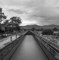_DSC7639 (CS@ndoval) Tags: bw mountains water rail monochrome blackandwhite outdoor