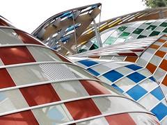 Fondation Louis Vuitton - Paris (Flakadiablo) Tags: g15 canon structure couleur color vuitton fondationlouisvuitton buren gehry construction architecture batiment
