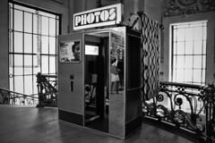 photomaton (Laetitia Guesdon) Tags: paris grandpalais keïta photomaton photo monochrome mémoire