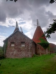 Red Oast (paidetres) Tags: red oast kent walk oasthouse dunksgreen