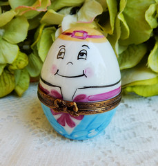 Limoges France Peint Main Porcelain Trinket Box ~ Humpty Dumpty (Donna's Collectables) Tags: limoges france peint main porcelain trinket box ~ humpty dumpty