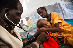 MSF hospital in Malakal IDP camp (Albert Gonzalez Farran) Tags: camp hospital children war southsudan health civilwar conflict clinic doctors protection poc msf displacement diseases idpcamp idp malakal internallydisplacedpersons displacedpeople protectionofcivilians