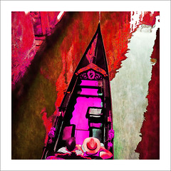 view from the bridge (j.p.yef) Tags: italien venice red people italy square digitalart gondola venedig birdseyeview gondel yef peterfey jpyef