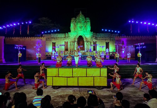 The Apsara performance at the Cambodian Cultural Village in Siem Reap (Chetra Chap, 2016).