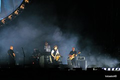david gilmour roma circo massimo (tomasnot) Tags: pinkfloyd night colour palco nikond90 nikkor nikon chitarra guypratt guitar stevedistanislao live rattlethatlock circomassimo rome roma