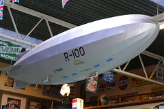 Airship R-100 flies (Elsie esq.) Tags: airship fawley model museum railway steam