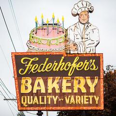Federhofer (Thomas Hawk) Tags: baker federhofersbakery missouri stlouis usa unitedstates unitedstatesofamerica bakery birthdaycake cake neon fav10 fav25