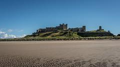 Bamburgh Castle (lhiapgpeonk) Tags: northumberland grosbritannien meer strand wasser burgenundschlsser bamburghcastle england bamburgh burg burgen castlesandchateaus grandebretagne greatbritain schloss schlos schlsser castle castles chateau chateaus chateaux