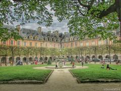 Place des Vosges (gunnersh1va) Tags: park paris france place des vosges placedesvosges francais