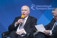 Warren Truss makes a point
