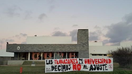 En lucha por presupuesto /Fighting for more funds for Education