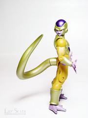 Golden Frieza (Lily Skadi) Tags: shodo shododragonball dragonball figurine figure fujifilmfinepixs2980 goldenfrieza goldenfreezer bandai jfigure