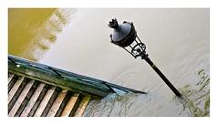 crue de la Seine (7) (Marie Hacene) Tags: quais eau paris seine crueseine lampadaire escalier