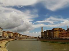 Pisa, Italy (CLAUDIA COTA) Tags: pisa torre torredepisa pisatower italy italia water agua river río city architecture arquitectura torreinclinada inclinada