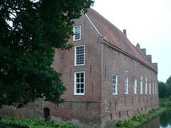 WaterCastle Hinta (achatphoenix) Tags: hinte krummhrn wasserschloss watercastle ostfriesland burg steinhaus eastfrisia