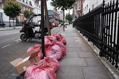 20160722T04-37-35Z-DSCF1546 (fitzrovialitter) Tags: geotagged fitzrovia fitzrovialitter cityoflondon paddington camden westminster rubbish litter dumping flytipping trash garbage london urban street environment streetphotography westend marylebone mayfair soho bloomsbury peterfoster documentary fuji x70 classicchrome fujifilm bakerstreet england unitedkingdom