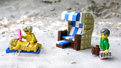 Summertime (mijasper) Tags: lego moc minifig minifigs furniture interior roofedwickerbeachchair wickerbeachchair beachchair wicker rattan chair