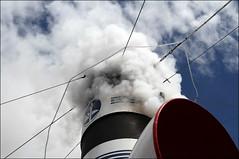 In mezzo al fumo di questo vapore ( F.de Gregori ) (Maulamb) Tags: nave battello vapore fumo