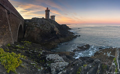 Realm of Brittany (Traezh) Tags: bretagne breizh brittany brest pointe petitminou rade goulet panorama rocks seascape lighthouse phare arche arch aube dawn matin morning eos5d 1635 1635mmf4lis pascal laugier filtres lee