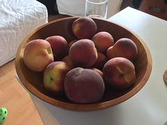 Peaches (Like_the_Grand_Canyon) Tags: frucht obst food
