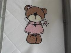 Uma fadinha muito pink (leonilde_bernardes) Tags: de artesanato batizado disney bebe artes babys bordados mantas personalizados decoraao hancraft enxovais pinturaemtecido personalizadas artigos enxovaisdecasa lembranaas